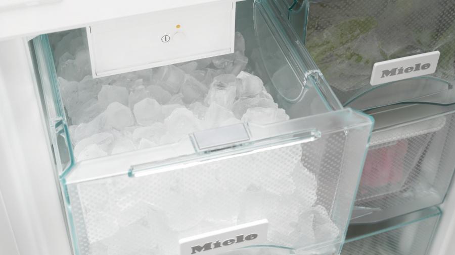 Генератор льда IceMaker в холодильнике Miele